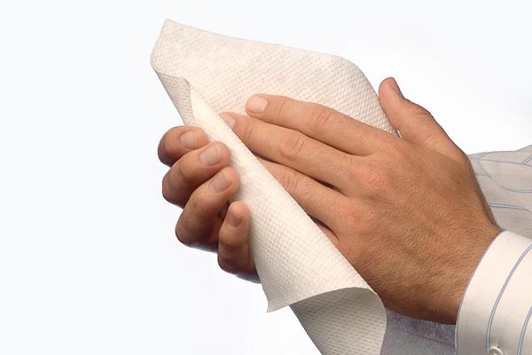 Secar as mãos com papel ou secador? O que é mais higiênico?