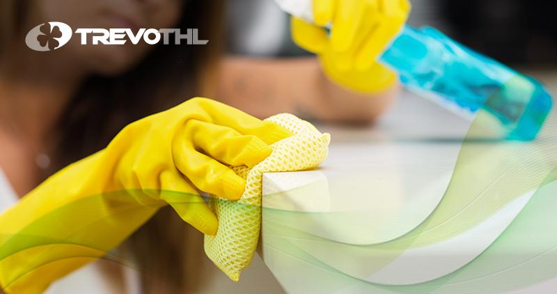 3 fases fundamentais no processo de higienização de uma cozinha industrial: limpeza, descontaminação e desinfecção
